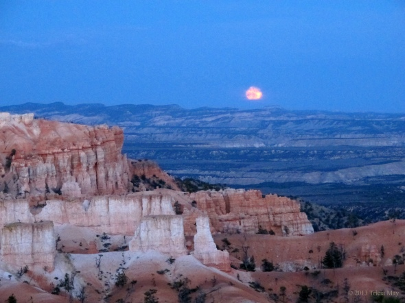 Moon rise on full moon hike