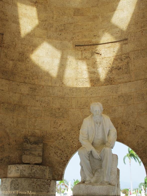 Cementerio de Santa Ifigenia - Jose Marti mausoleum interior 07 ©