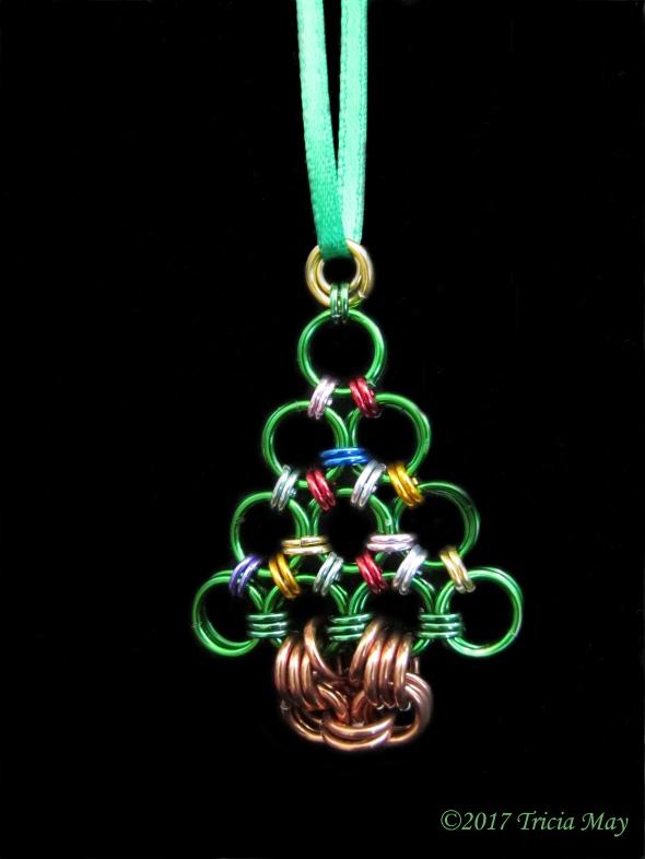 Christmas tree-tree ornament ©