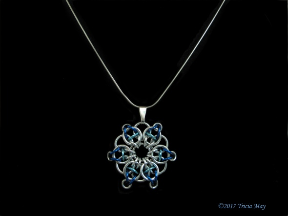 Pendant-silver,light blue,dark blue ©