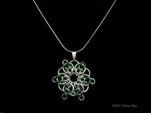 Pendant-silver,light green,dark green ©