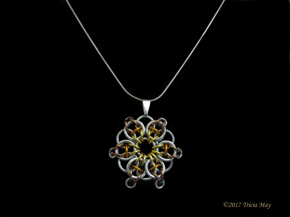 Pendant-Yellow, orange, brown ©