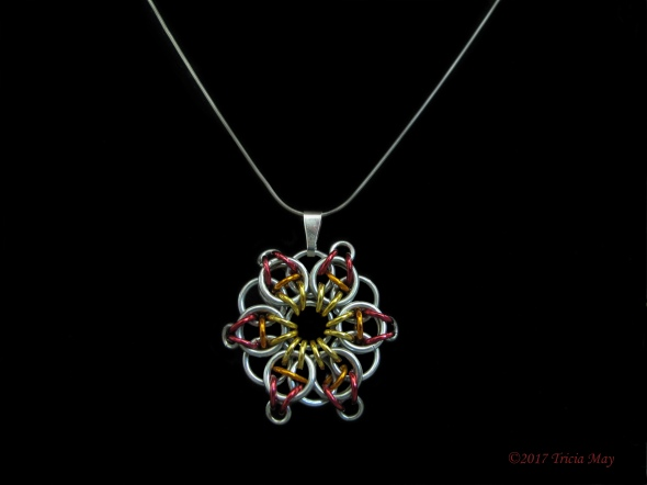 Pendant-yellow-orange-red ©